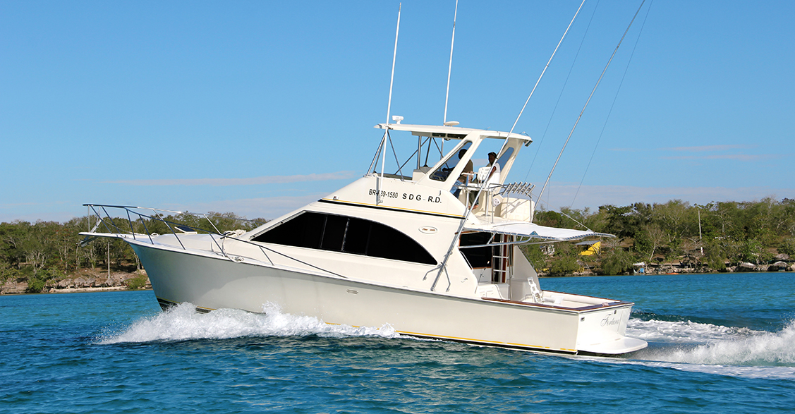 Deep sea fishing charters punta cana boat excursion for Large fishing boats